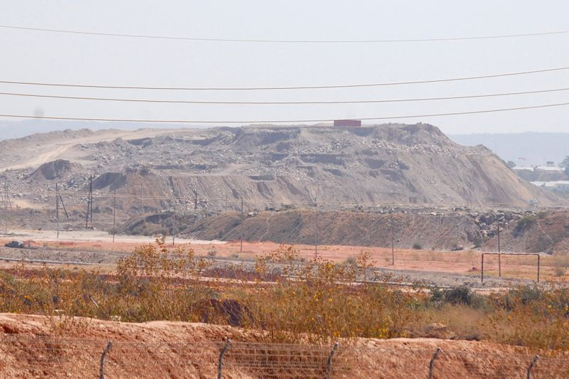 Congo reviewing $6 billion mining deal with Chinese investors -Finance Minister