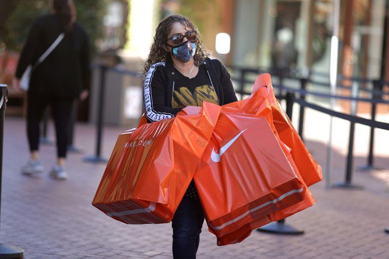U.S. consumer sentiment plummets to near-decade low