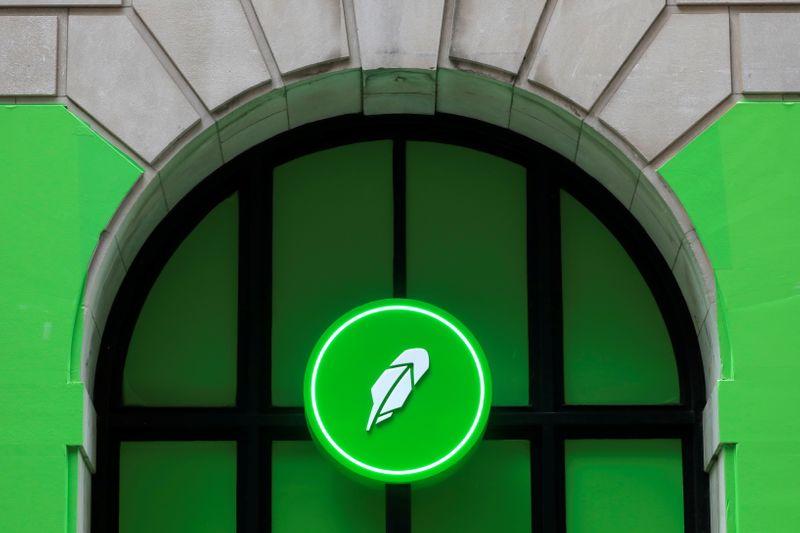 Robinhood shares tumble after PayPal news, SEC scrutiny of key revenue stream