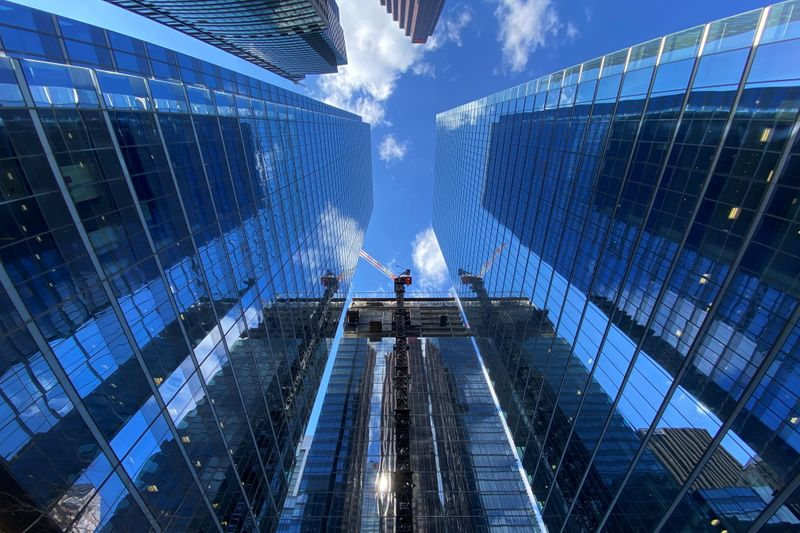 Canadian economy shrank 1.1% in Q2, July GDP seen down 0.4%