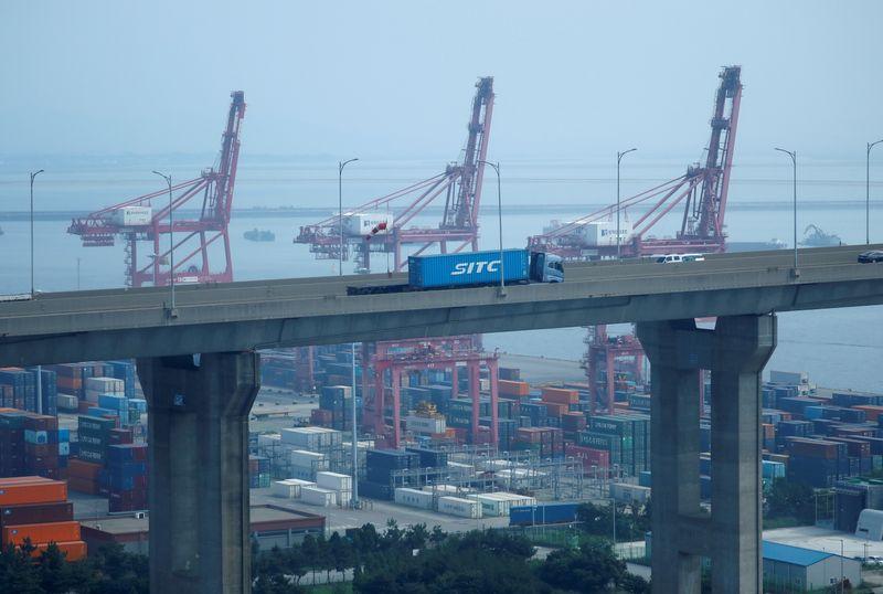 S.Korea Aug exports extend boom but Delta remains a risk