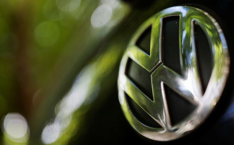 VW reaches $42 million settlement with U.S. owners over Takata air bags