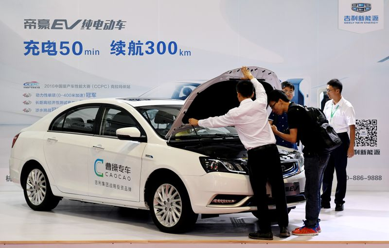 Chinese regulators raise concerns with ride-hailing firms