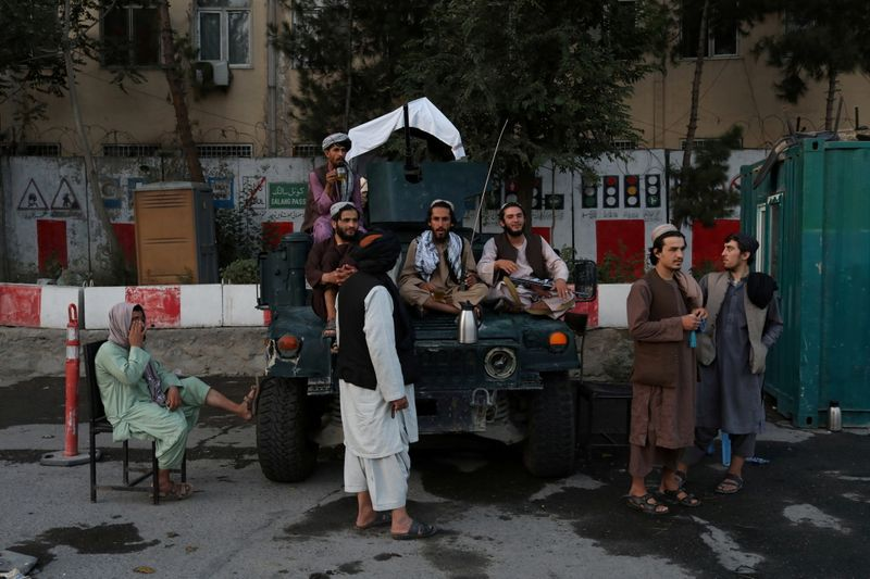 Rebels hold out in Afghan valley as Taliban set up government in Kabul