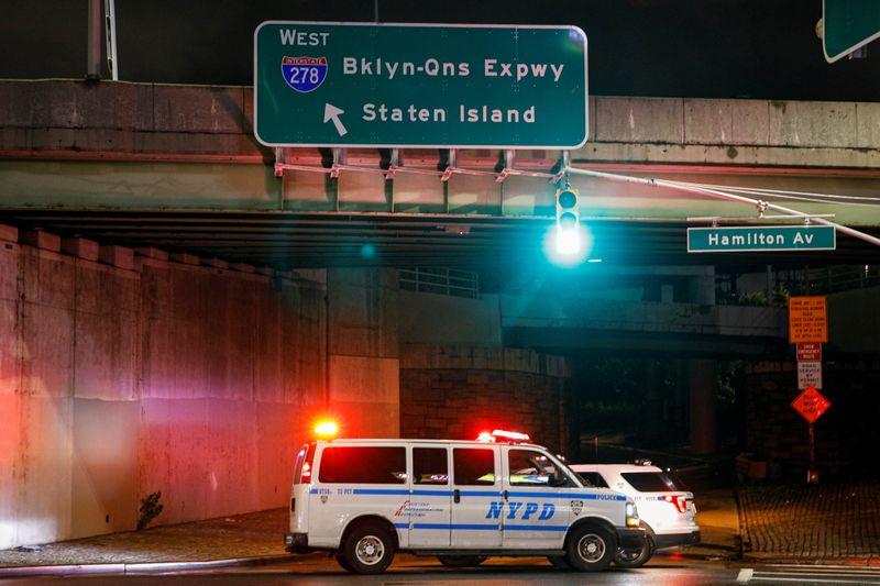 Нью-Йорк и Нью-Джерси объявили ЧП, 9 человек погибли из-за рекордных ливней