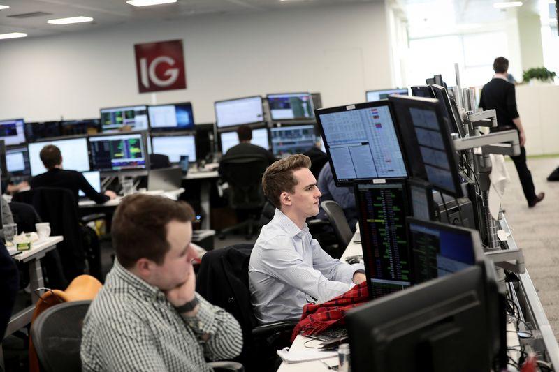 Bourse: L'Europe monte dans le calme en l'absence de Wall Street, la