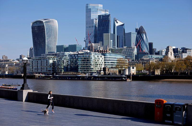 Global reinsurance rates to keep rising next year - ratings agencies