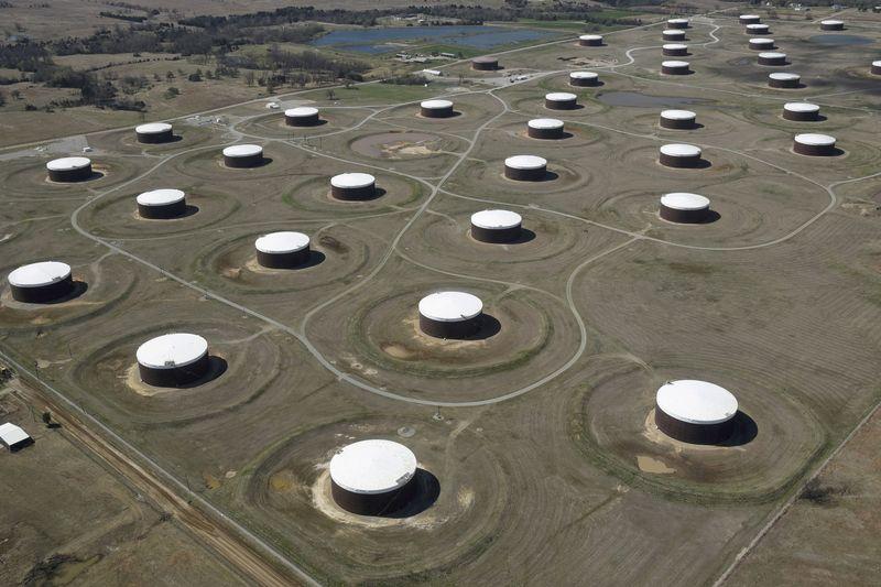 Oil climbs amid slow supply return after Hurricane Ida