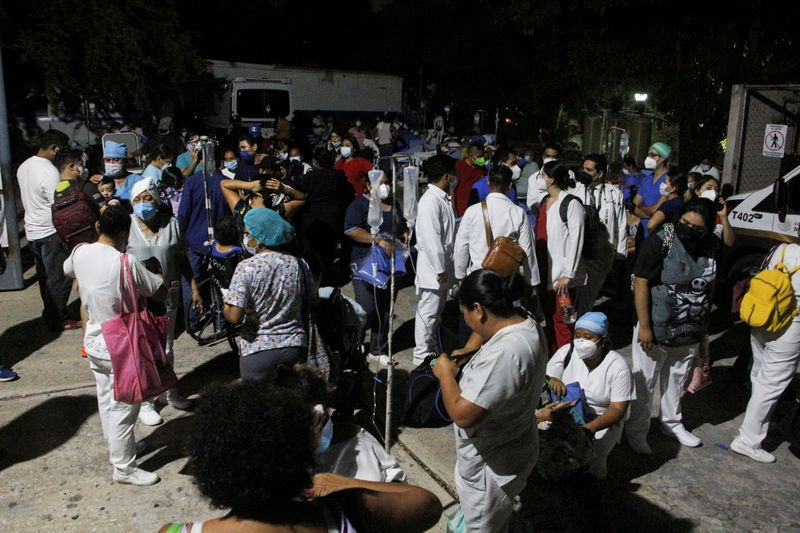 Strong quake rocks Mexico's Acapulco, damaging airport and killing one