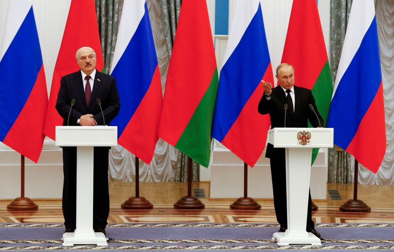 Russia and Belarus agree closer energy, economic integration