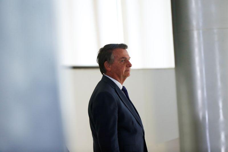 Bolsonaro steps back from Supreme Court battle, boosting Brazil markets