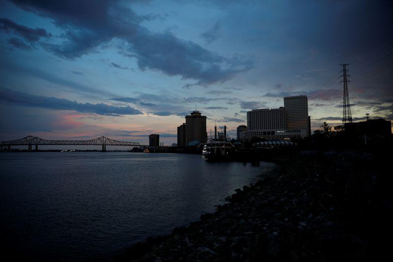 U.S. Gulf Coast grain exports slowly resuming after Ida as more power restored