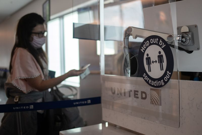 U.S. probing 18 airlines over delayed refund complaints