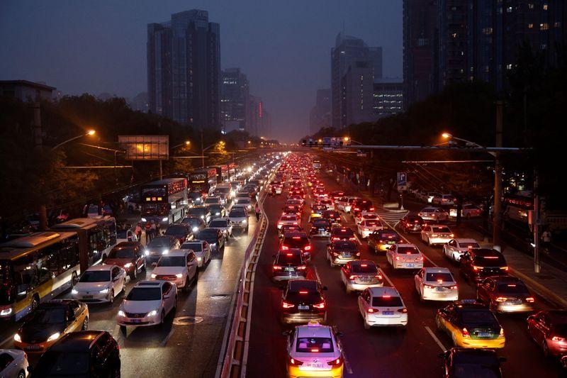 Cina, vendite veicoli in calo per quarto mese consecutivo su carenza chip