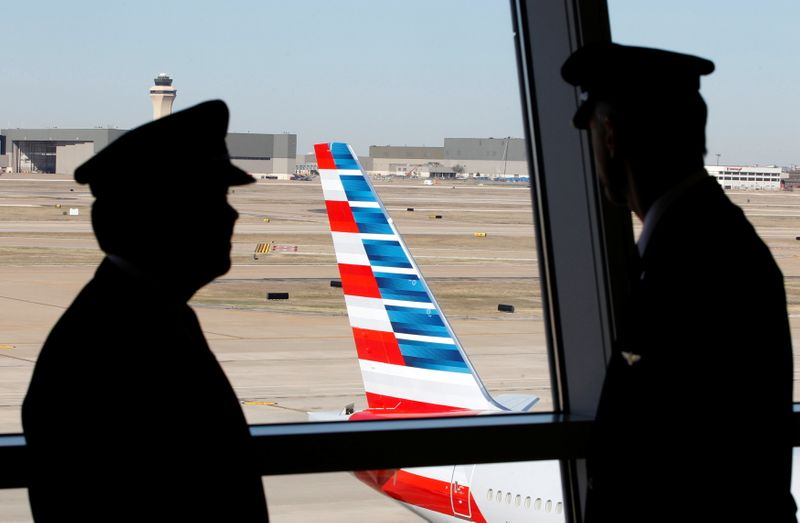 American Airlines urges employee vaccinations amid Biden push