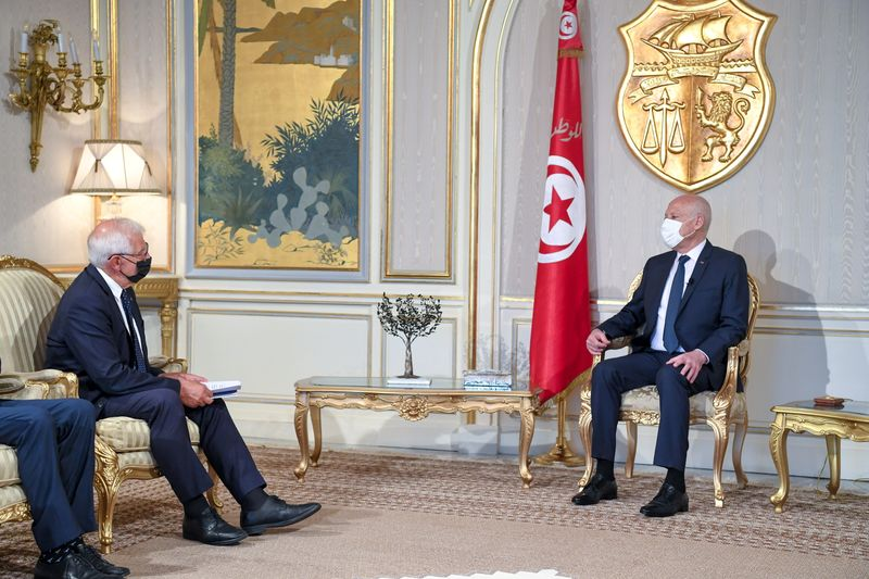 Tunisia president rebuffs foreign pressure over political crisis