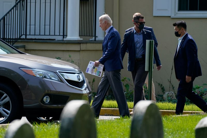 Biden heads to western U.S. to tout climate goals, back California governor