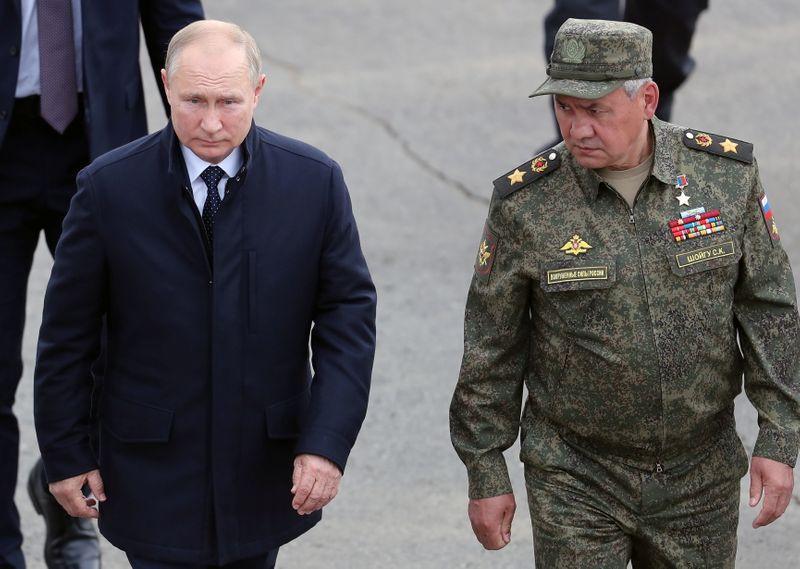 Putin supervisiona grande exercício militar antes de eleição parlamentar