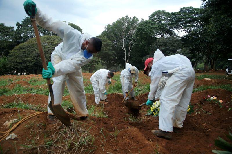 Brasil supera 587 mil mortes e 21 milhões de casos confirmados de Covid