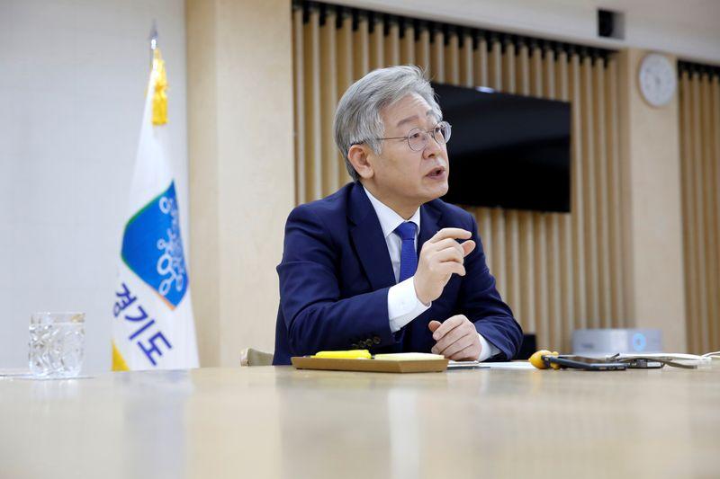 'S.Korea's Bernie Sanders' tops presidential polls with talk of universal basic income
