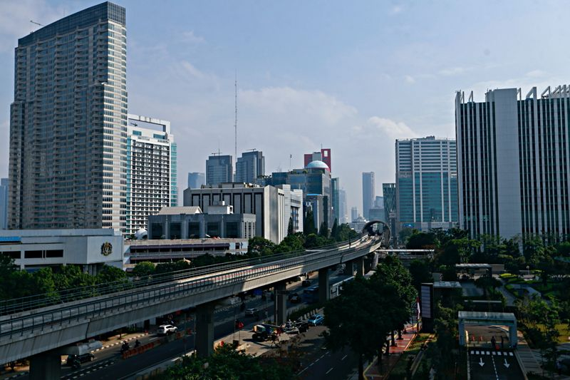 Indonesia govt, key parliamentary body set 2022 GDP growth target at 5.2%