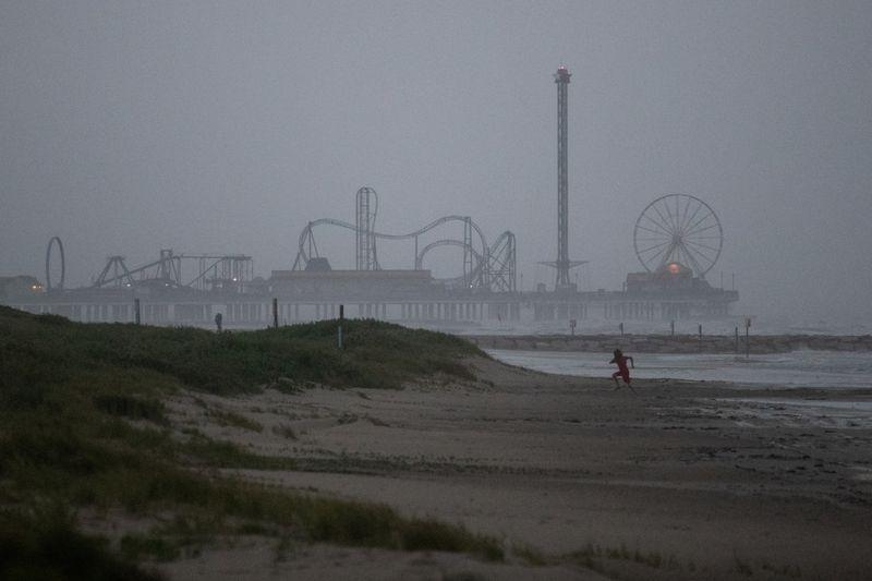 La tormenta Nicholas golpea la costa del Golfo de EEUU con fuertes lluvias