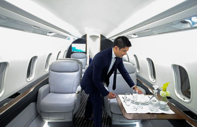 Bombardier launches upscale Challenger 3500 in battle for mid-sized private jets