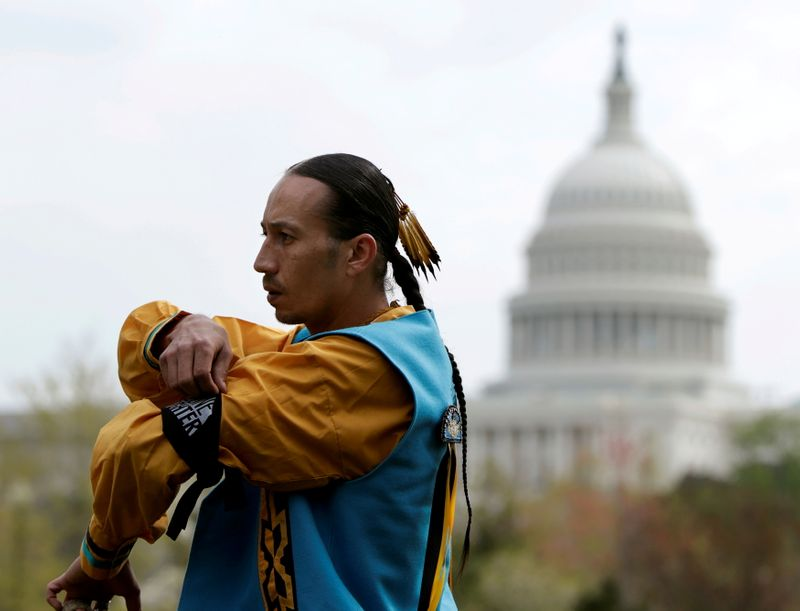 U.S. officials, Native American leaders to meet on returning lands