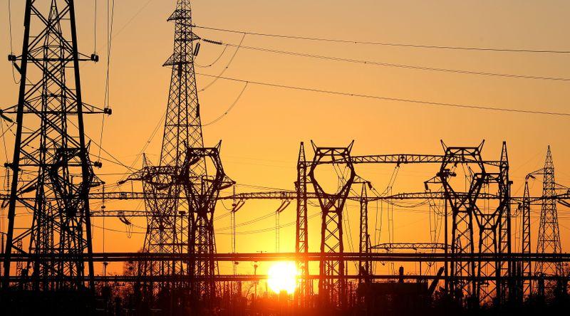 Italia studia riforma bolletta elettrica per far fronte a balzo costi energia - fonti