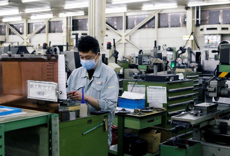 Japan manufacturers' mood falls to 5-month low in Sept - Reuters Tankan