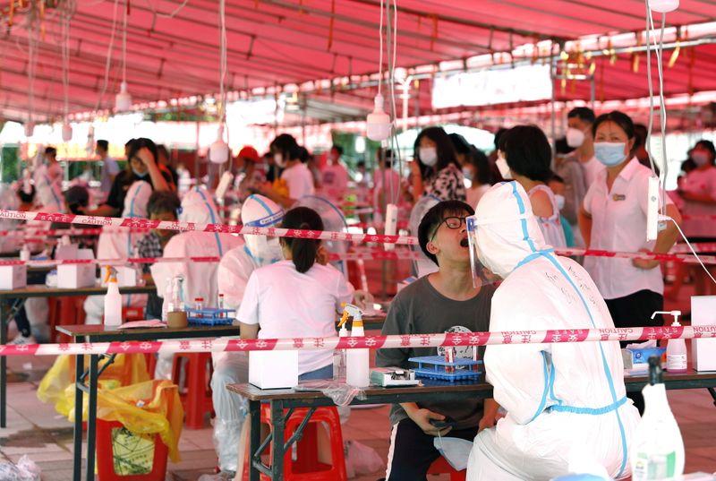 الصين تسجل 73 إصابة جديدة بفيروس كورونا