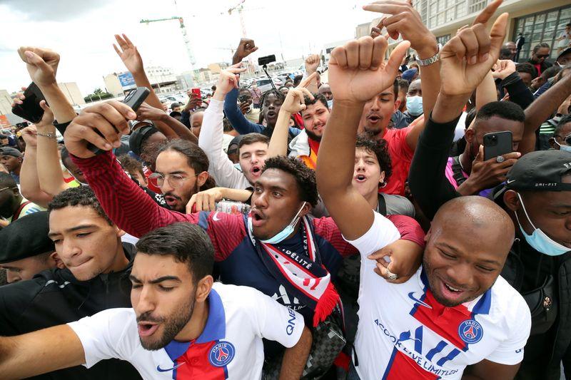 The micro-economy spinning around Messi's Paris adventure