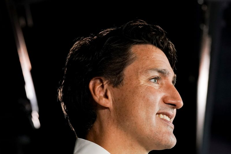Canadians rush to early polls in election, mail-in ballots underwhelm