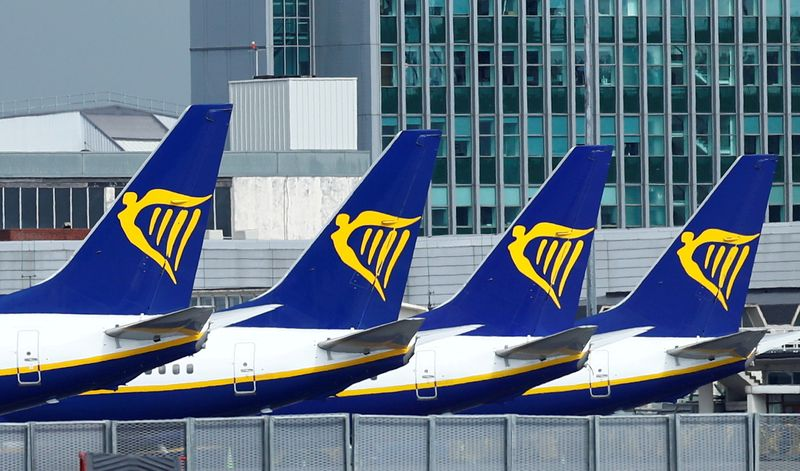 Ryanair raises passenger target to 225 million a year by 2026