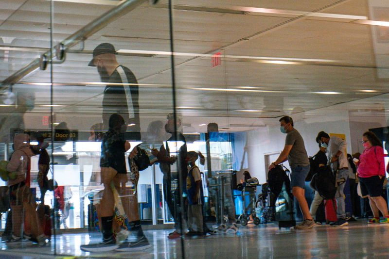 U.S. to award Newark flights to low-cost carrier to spur competition