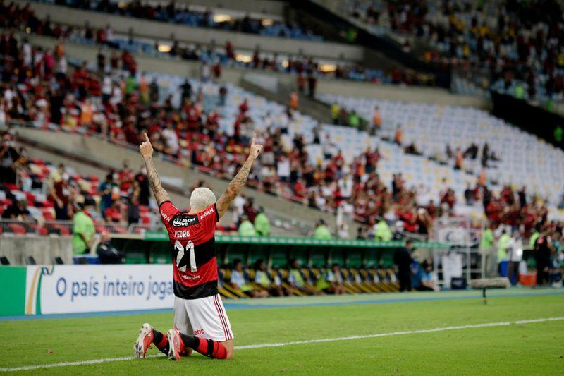 Prefeitura do Rio libera público nos estádios com metade da capacidade