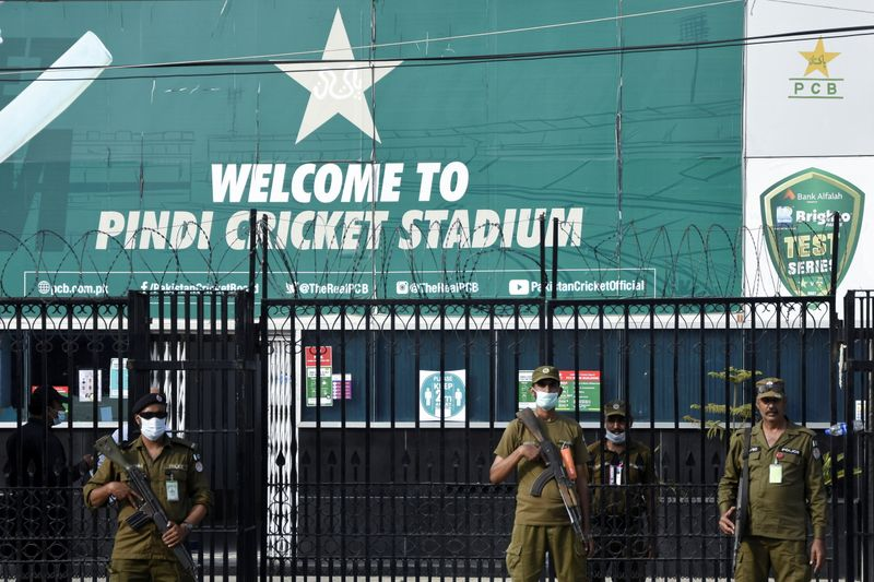 Cricket-Pakistan will overcome crisis, says PCB chief after NZ tour pullout