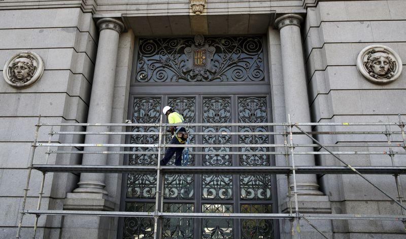 El gobernador del Banco de España dice que hay margen para mejorar la previsión de crecimiento de 2021