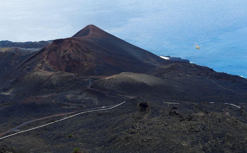 Un volcan entre en éruption à La Palma aux Canaries