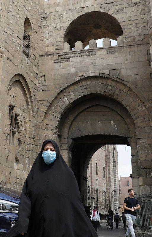 مصر تسجل 653 إصابة جديدة بفيروس كورونا و19 وفاة