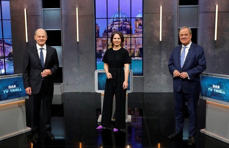 独首相候補TV討論、ショルツ氏が3回目も勝利 投票まで1週間