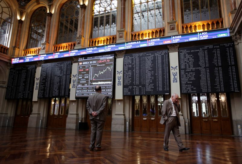 El Ibex-35 cierra bajo los 8.700 puntos entre temores por China y expectación sobre la Fed