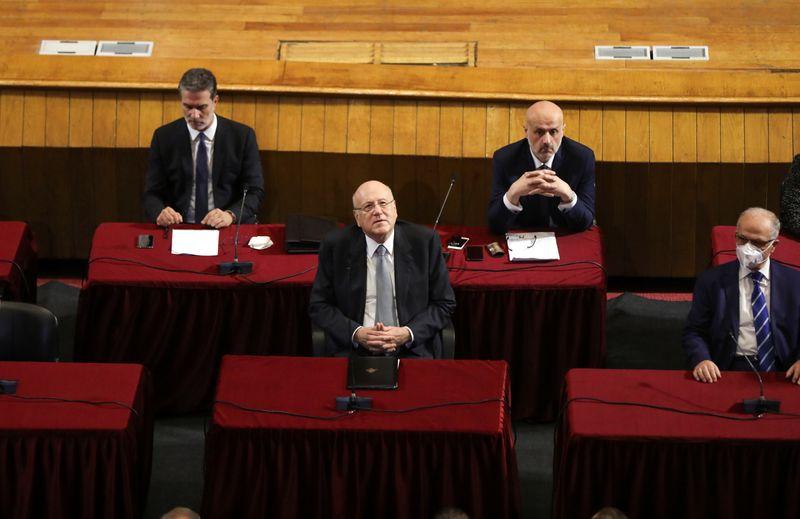 الحكومة اللبنانية الجديدة تفوز بثقة البرلمان