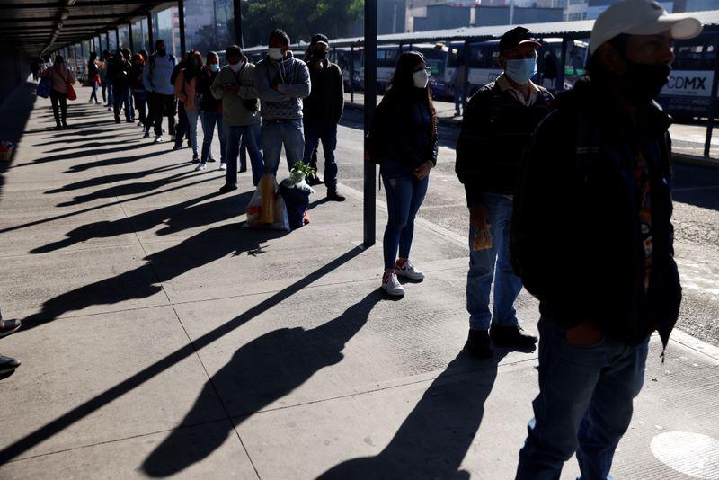المكسيك تسجل 3367 إصابة بكوفيد-19 جديدة و262 وفاة