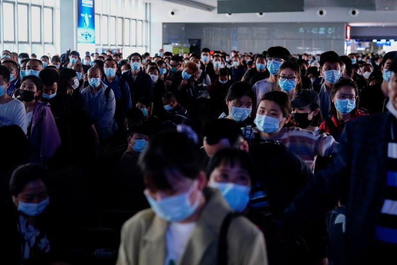 الصين تسجل 72 إصابة جديدة بكورونا