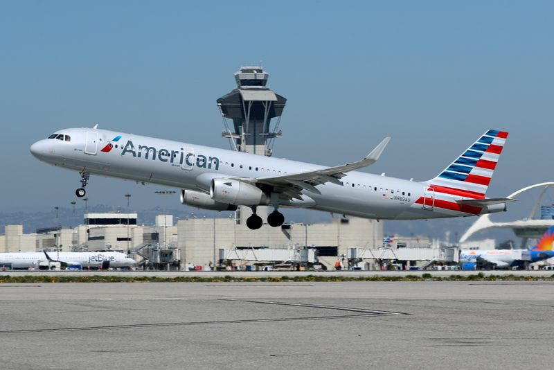 U.S. sues to stop American Airlines, JetBlue partnership