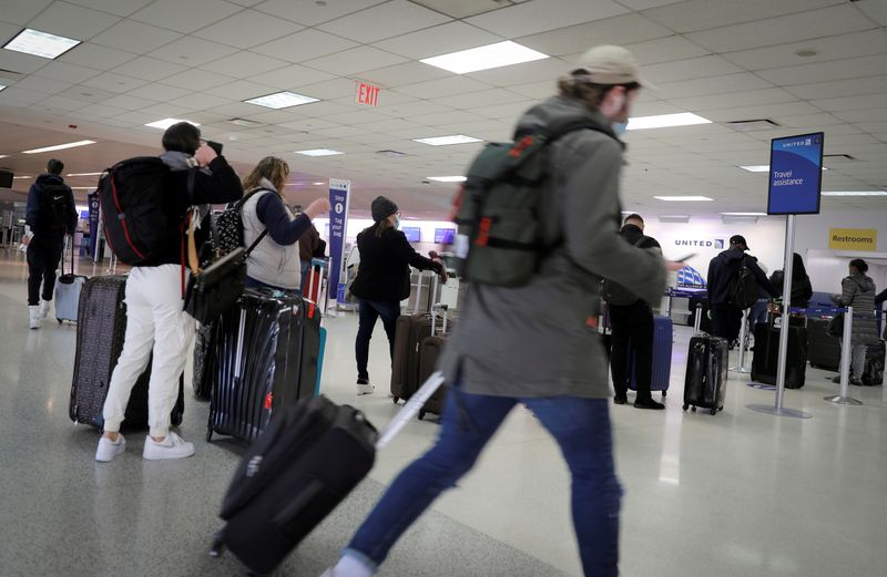 U.S. FAA wants airlines to do more to address unruly passengers