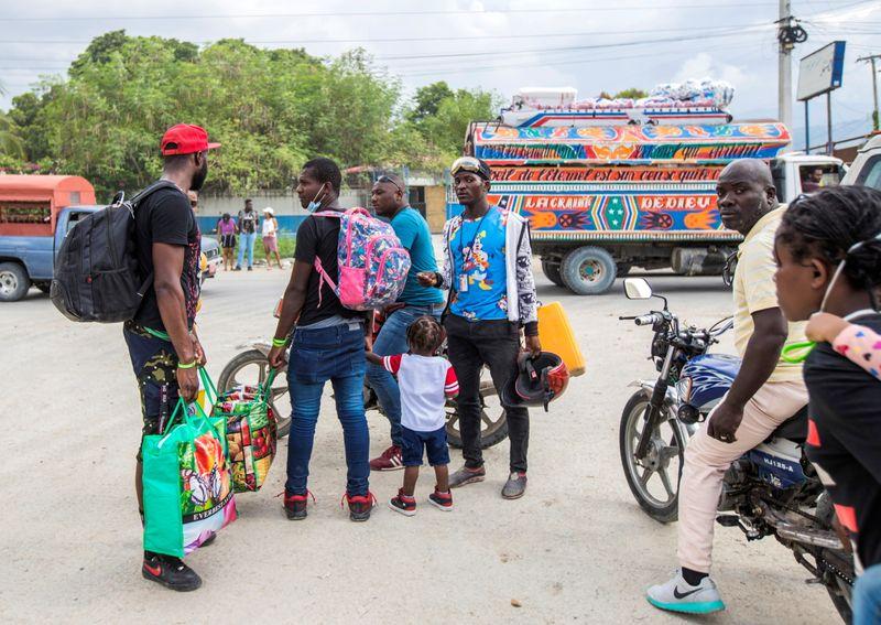 U.S. expulsions of Haitians may violate international law - UN refugee boss