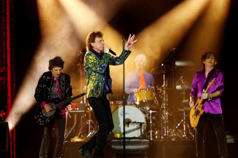 Mick Jagger diz que Charlie Watts era a rocha que mantinha os Rolling Stones unidos