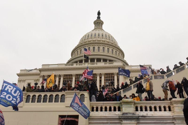 Etats-Unis: Des alliés de Trump cités à comparaître dans l'enquête sur l'assaut du Capitole